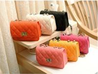GO FASHION Sachet Quilted Twist Lock Chain Messenger Bag Shoulder Diagonal Package Korean Version of Mini Handbag Wholesale