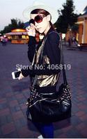 2014 Korean version of the new promotional tide retro rivets Shoulder Messenger bag handbag Europe and America to send 137 free