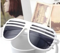 wholesale/free shopping.Trendy Sunglasses blinds with paragraph 2014.100pieces/lot,YJ137