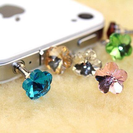 2pcs/lot 2014 Fashion anti dustproof plugs For i phone 5 4s flower rhinestone stone dust plug 3.5mm earphones free shipping(China (Mainland))