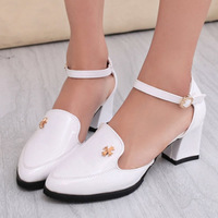 Elegant fashion rhinestone pointed toe shoes sexy ol medium hells shoes thick heel toe cap covering sandals shoes
