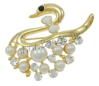 Free shipping!!!Zinc Alloy Brooches,Men Fashion Jewelry, with Glass Pearl, Swan, gold color plated, enamel & with rhinestone