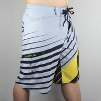 New Bermuda Shorts Mens Board Shorts Surf Swimming Shorts Men Beach Boardshorts 3 Color Stretch
