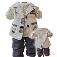 Retail 1 Set New 2014 Spring Children Clothing Set Baby Coat+T Shirt+Pants 3 pcs Cartoon Print Newborn Clothes Sets