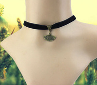 Fashion Black Velvet Ribbon 90's Choker Necklace Princess Fan Pendant Necklace