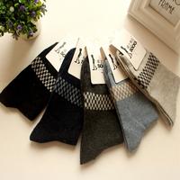 2014 Men's Socks New Winter socks for men warm meias masculinas cotton thicken thermal socks small plaid rabbit wool socks