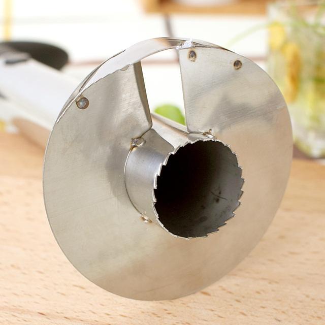 Creative Kitchen Gadget Pineapple Peeler