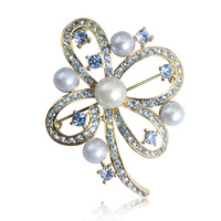 Trend clothing butterfly imitation pearl brooch corsage elegant lady fashion women high-end jewelry vintage