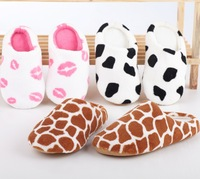 (Min order is $10) Autumn and winter milk cow red coral fleece lovers slippers at home cotton-padded floor slippers d937