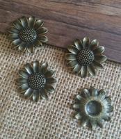 40PCS/lot   25*25mm antique bronze Round  SunFlower charm