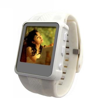 Бесплатная доставка классная музыка наручные часы спортивный mp3-mp4-плеер FM радио музыка часы AD668