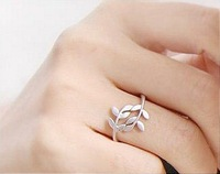 Fashion Exquisite Alloy Rhinestone Double Leaf Ring Rings Silver/Bronze Plated Finger Rings