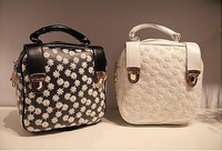 New Hot sale ladies Lace handnahs corners rivet shoulder bag Messenger bags