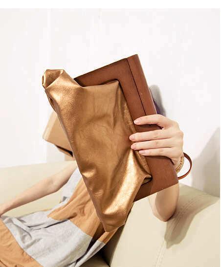 New design wood handle cultch women's fashion gold evening bag party bridal bag lady elegent and graceful handbag mb93(China (Mainland))