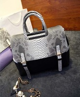 2014 new  fashion trend handbag snakeskin pattern hit color handbag shoulder bag handbags wholesale  free shipping  momen bags