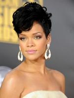 Wholesale Fashion short hair wig,hair High-quality, Wavy synthetic Wig for Women, Black Female Rihanna Wavy Celebrity