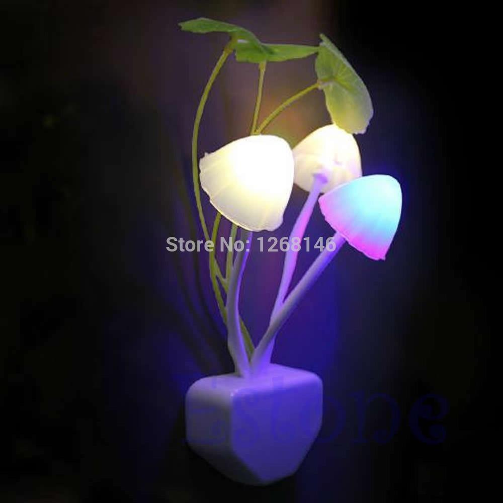S111 Free Shipping 1 Pieces EU/US Romantic Colorful LED Mushroom Night Light DreamBed Lamp Home Illumination(China (Mainland))