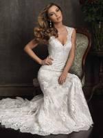 2014 Sexy&Vintage  New Designers V-neck Mermaid  Backless Wedding Dresses  Train Sexy Lace Bride Wedding Dress A1