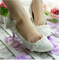 New arrival elegant  flower white lace heels wedding shoes low heel bridal shoes