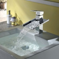 Modern Big Waterfall Spout Polished Chrome Finished Bathroom Deck Mounted Single Handle Faucet JN6008