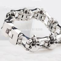 European and American fashion titanium steel men's bracelet does not fade rough punk domineering personality skull bracelet