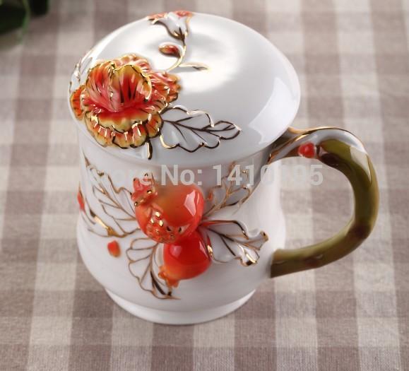 Grátis frete novo Design bonito huorse esmalte procelain cerâmica copo / tigela tampa jogo de café presente de natal atacadista(China (Mainland))