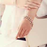 Multi Layer Bracelet Womens Leaved Clover Pearl Bracelet Beautiful Alloy Leather String Pearl Bracelet  AMB021