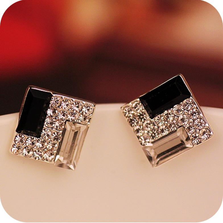 Promotion Europe Trendy Luxurious Elegant Black White Sparkling Bling Rhinestone Square Gem Stud Earrings E178