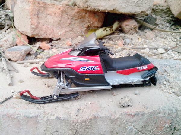 Alloy model Yamaha snowmobile yamaha sx viper Motorcycles models toys for children(China (Mainland))