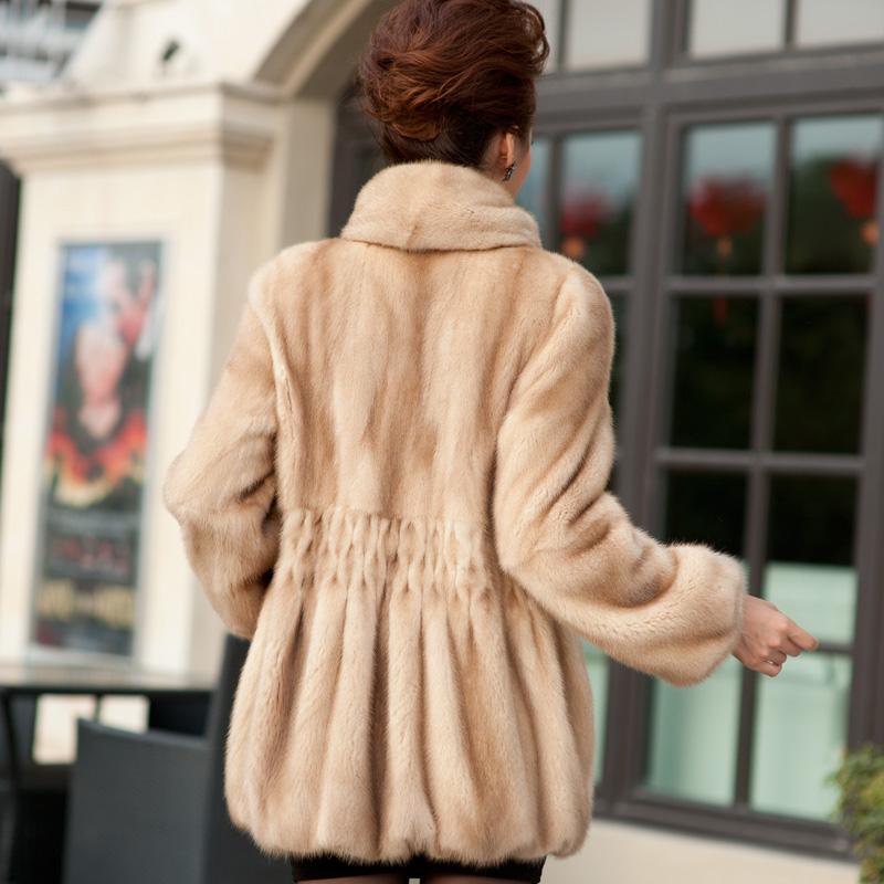 Женская одежда из меха