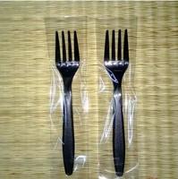 The disposable black fork fork, western food
