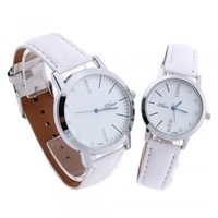 2pcs Quartz Movement Wrist Watch White PU Band Couple Lover Rhinestone Dial