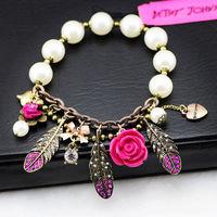 fashion bracelet for women 2014 hot selling Crystal Feather Flower Pendant White Beads Stretch Bracelet girl love best