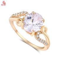 New Arrival  Fashion 18K Gold  Crystal Big Wedding Ring For Women High Quality KUNIUJ1678