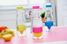 Tritan mannal juice maker, /fruit zinger /juice cup/juice bottle /drinking bottle/baby kids bottle/cup free shipping(China (Mainland))