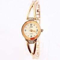 Watches Women Fashion Luxury Watch Rose Gold White Charm Bracelet Chain Rhinestone Wristwatch Hot Sale