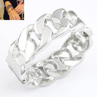 Min. Order $8.8(Mix Order) Newest America And Europe Fashion Bangles Gold Silver Twist Alloy Lady Bracelet Bangles FB0007