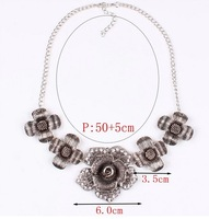Supernova Sale Fashion jewelry in Europe and America women wholesale exaggerate hollow rhinestone flower pendant&necklace