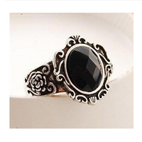2014High quality Korea Fashion Vintage Simple Magic Mirror Metal Flower Pattern Black Gem Rings Engagement jewelry wholesalePT32