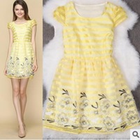 2015 New European And American High-Striped Organza Embroidered Short Sleeve Slim Dress Empty Thread BL9931