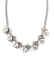 Europe and the United States Arum lilies retro pearl   flower necklace.