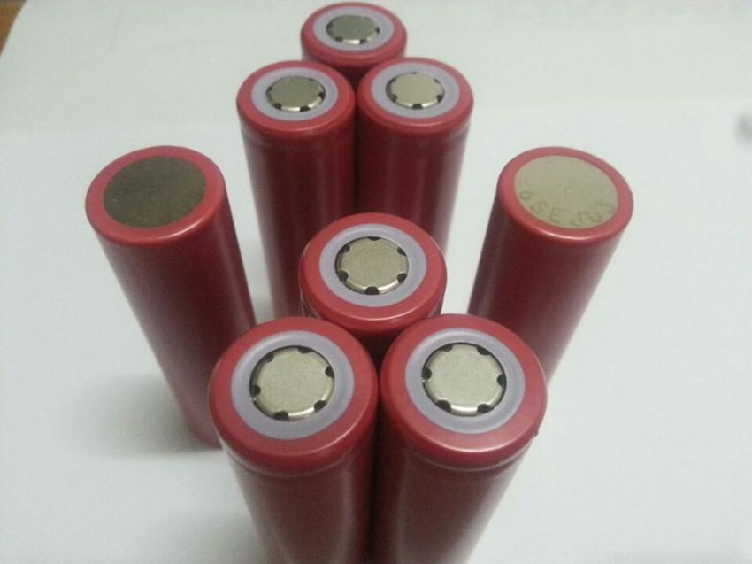 4pcs lot Original New Sanyo 18650 Li ion rechargeable battery 2600mAh Free Shipping