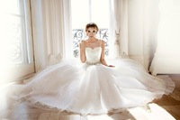 2015 New Arrival Elegant Ball Gown Scoop Lace Beading Tank Floor Length Long Chapel Train wedding Dresses