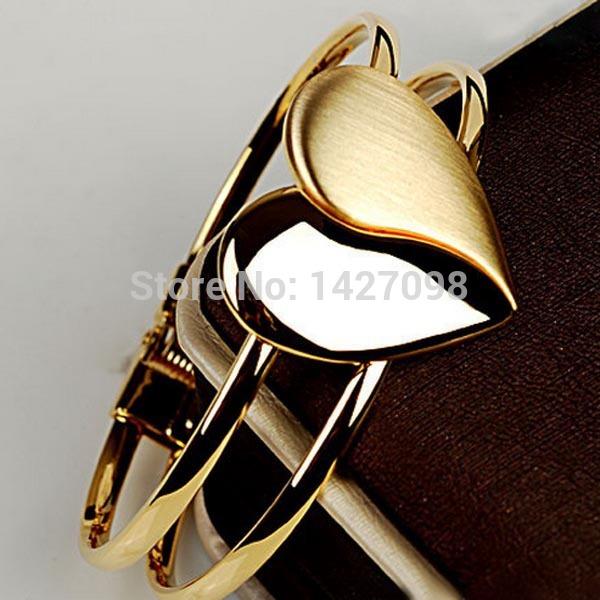(10 pieces/lot) Fashion heart bracelet beautiful gold bracelets for women high quality bracelet jewelry(China (Mainland))