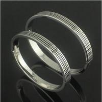 Gurantee 100% 316L Titanium Steel Brand wedding pattern 2014 women cuff bracelets for women BR371
