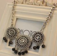 Retro fashion three round crystal flower black pearl tassel pendant necklace female short paragraph jewelry
