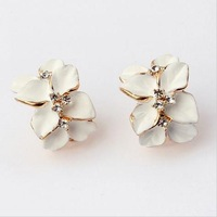 Free shipping Fashion Elegant Korean cute Flowers Petal High quality rhinestone Stud Earrings jewelry women 2014 Wholesale PD21