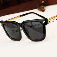 high quality brand rivets sunglasses men 2014 fashion square steampunk sports sun glasses for women oculos de sol