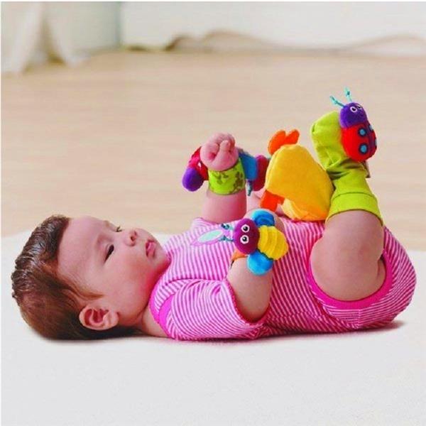 Novo 4 PCS bebê infantil alça de pulso pé meias chocalhos Developmental macio brinquedo joaninha(China (Mainland))