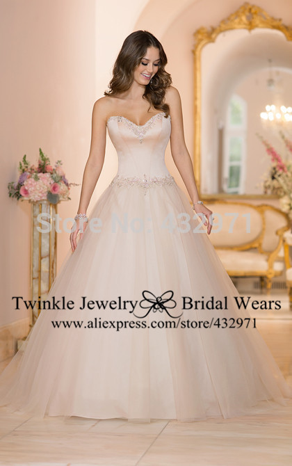 2014 custom made crystal sweetheart ball gown wedding dress bridal gowns with court train lace up,